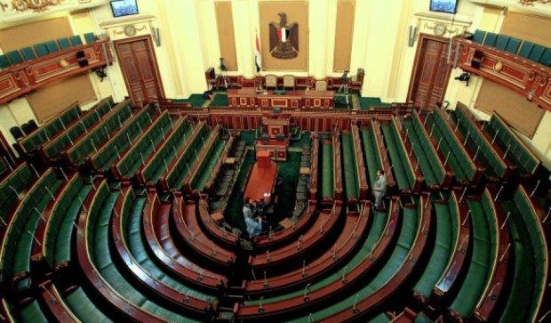 Египтяне выбирают парламент после военного переворота
