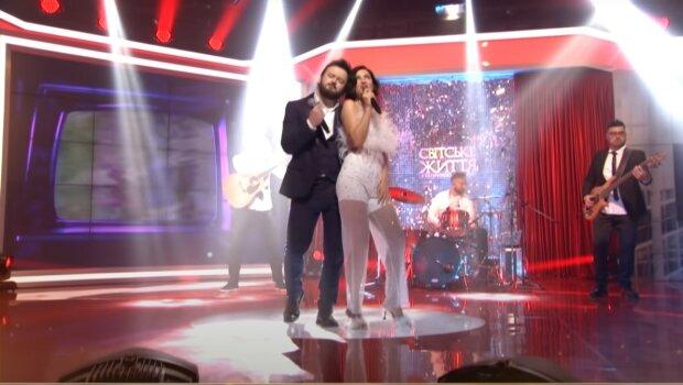 Оля Цибульская и Дзидзьо, скриншот из видео