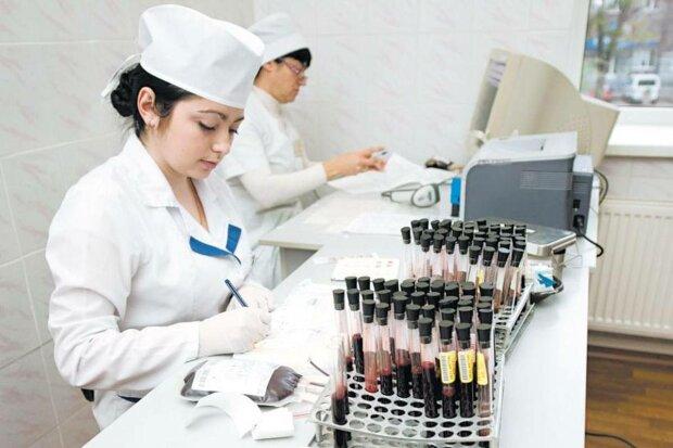 Реформа медицини в дії: пацієнтам сказали, коли платити за консультації