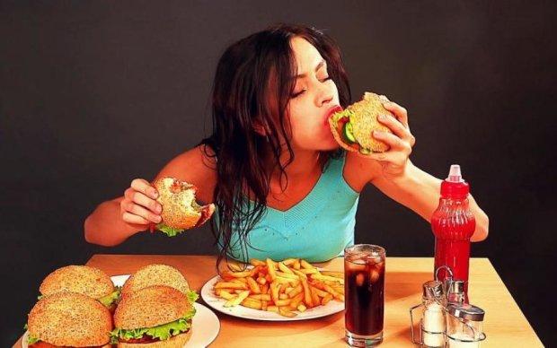 Мрії збуваються! Вчені розповіли, як їсти фаст-фуд і не товстіти