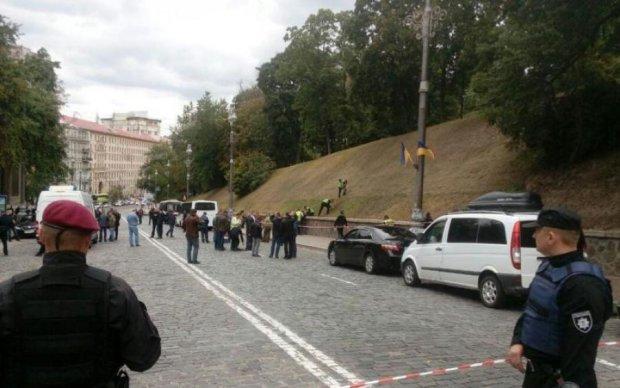 Взрыв в центре Киева: обнародованы новые кадры