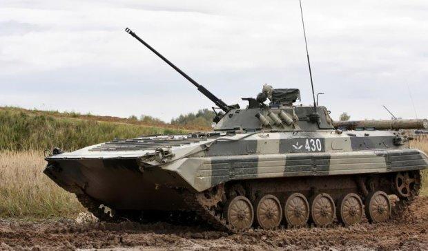 Провокації тривають: бойовики гатять із заборонених мінометів та БМП