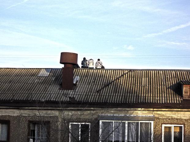 Викинули з вікна і зняли на відео: у скандал зі львівськими підлітками втрутилися копи