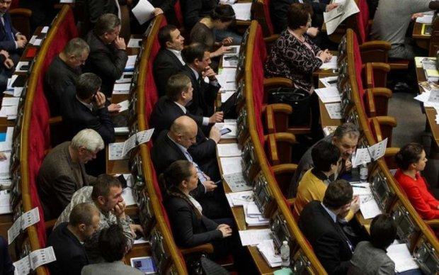 Мозок вже не знадобиться: мережу розсмішив жарт про політиків
