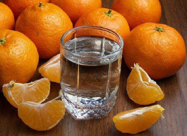 Рецепт домашньої мандаринової горілочки для тих, хто любить чистий продукт