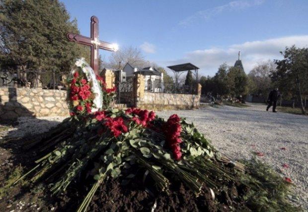 Олександр Янукович розповів подробиці похорону брата