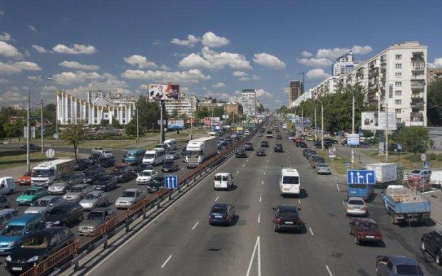 У Києві перекриють головну транспортну артерію: коли і чому