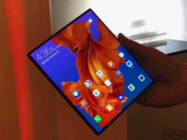 Анонс Huawei Mate X: складаний флагман за $2500 став найкращим смартфоном 2019 року