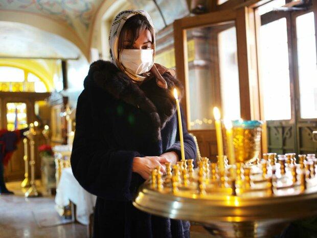 Заражаются в ресторанах, а не храмах: церкви убеждают, что молитва сильнее вируса