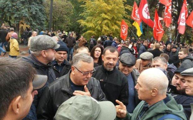 Наметове містечко під Радою: активісти оголосили терміни бойкоту