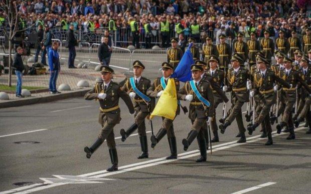 Парад у Києві: онук легендарної акторки вразив соцмережі
