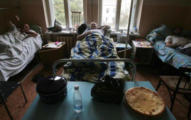 """Муляжи таблеток и медики-уборщики: российские больницы пробили """"здравоохранительное"""" дно"""