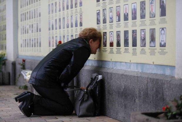 Матери погибших воинов растрогали украинцев до слез: от фото мурашки по коже