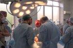 хірурги, скріншот з відео