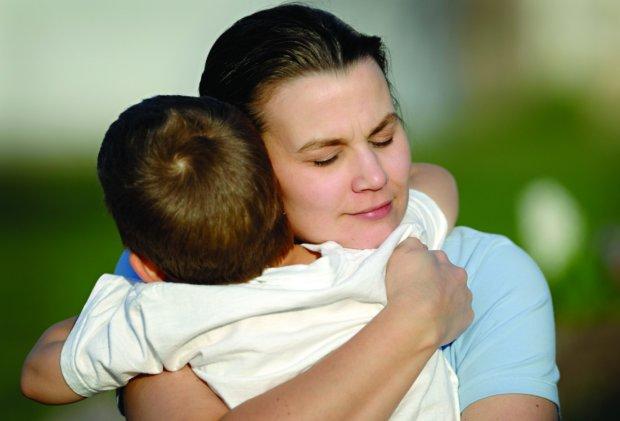Стремясь избавить сына от насмешек сверстников, любящая мать совершила невероятное: вдруг Вова начнет постоянно из-за меня лезть в драку?