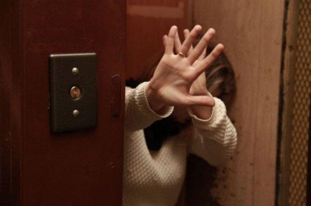 Заходя в лифт, украинцы каждый день рискуют жизнью