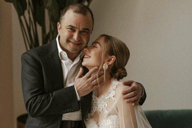 Виктор Павлик с женой, фото instagram