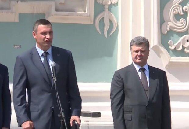Виталий Кличко и Петр Порошенко, скриншот с видео