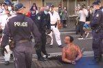 протест в Австралії, скріншот з відео