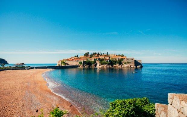 Ривьеры Черногории: ищем лучшее место на пляже