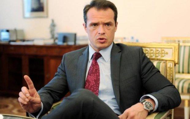 """Бездонная яма коррупции снова в игре: в Укравтодоре рассказали о """"больших"""" победах в 2017 году"""