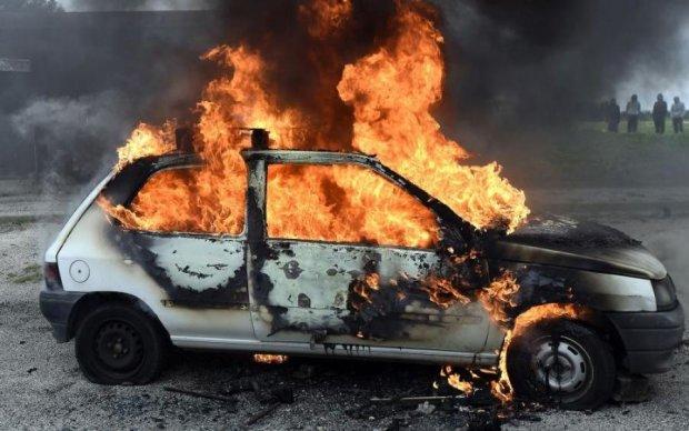 Горячая свобода слова: в Харькове журналисту сожгли машину