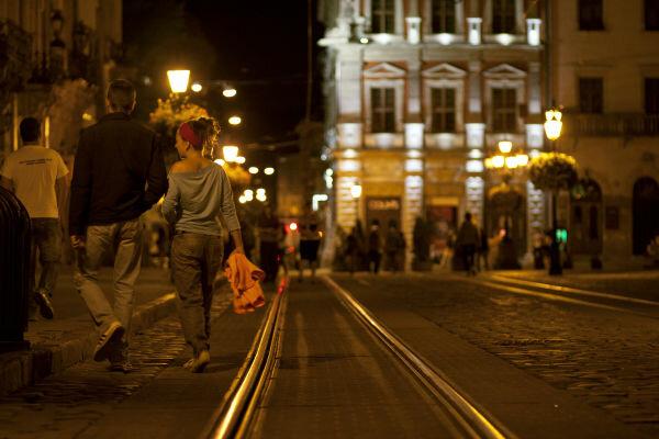Снес прямо на переходе: во Львове таксист влетел в женщину, шансов не было