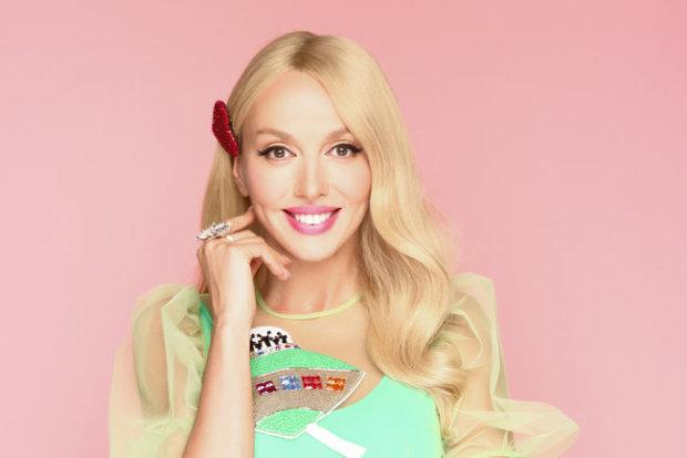 Барби отдыхает: Полякова в розовом бикини поставила хейтеров на место