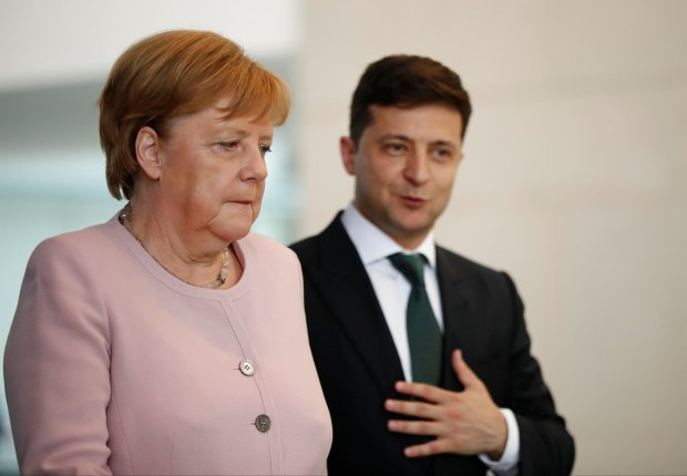 Зеленский серьезно поговорил с Ангелой Меркель: судьба Донбасса и пленных моряков решена