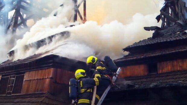 У Празі згорів український храм, кадр з відео: YouTube