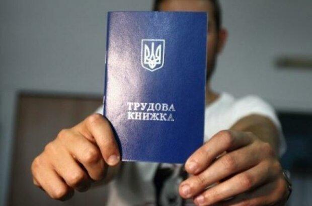 Зеленский решил основательно изменить Трудовой кодекс: что будет с отпусками украинцев