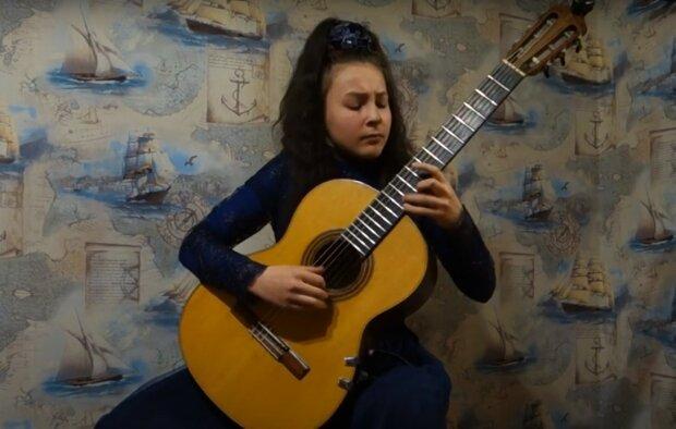 """Юна українка вдарила по струнах і прославилася на весь світ, десь тихо заплакав Стів Вай: """"Віртуозна гітаристка"""""""