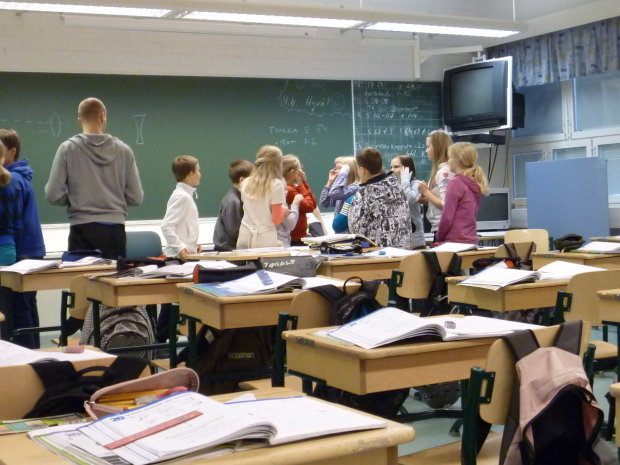 """У Харкові розслідують масову """"розправу"""" над чесними вчителями: замішані ЗНО та побори"""