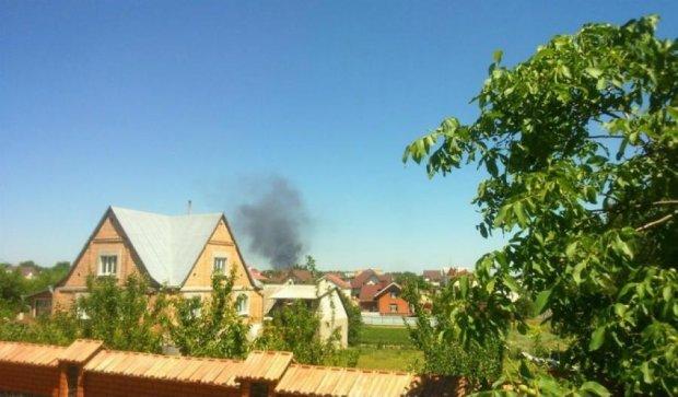 Под Киевом возобновился пожар: горит еще одна цистерна