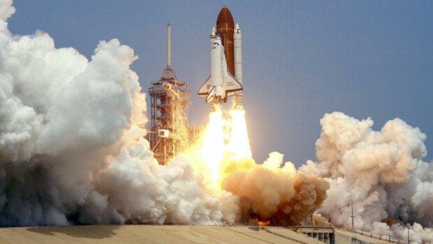 Японці запустили у космос нову ракету, щоб стежити за КНДР