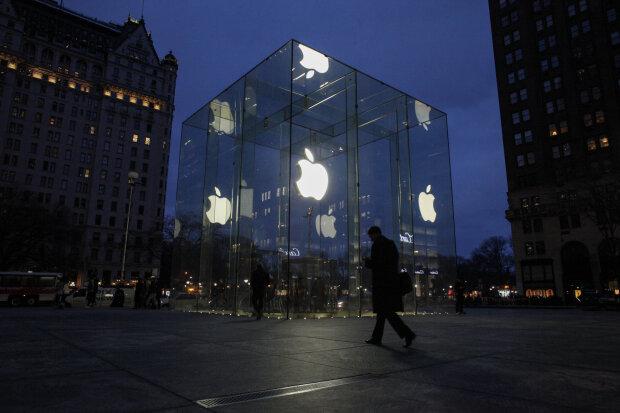 """Apple ответила Украине за """"российский Крым"""": """"Вносим изменения..."""", скандальные подробности"""