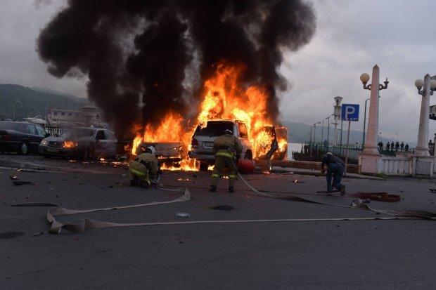 Бутусов сообщил о мощном взрыве в Киеве: машину офицера разорвало на части