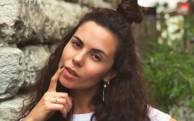 Каменских в бикини засветила фигуру без фотошопа, теперь все ясно: как выглядит жена Потапа