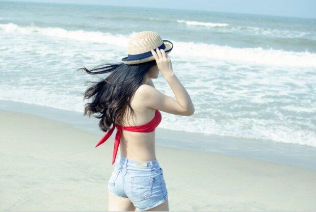 Дівчина на море, Pixabay