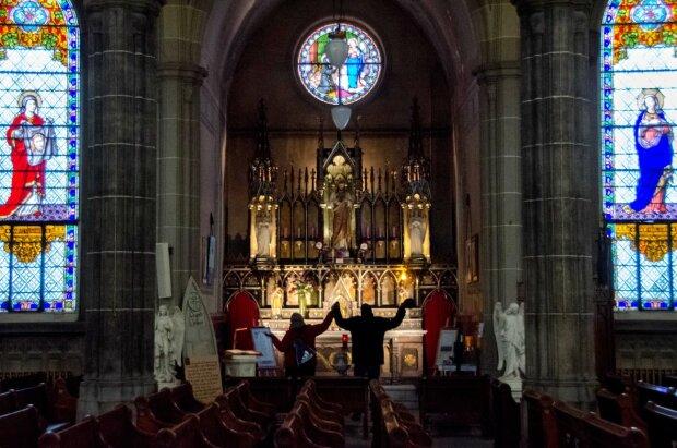 Церква, фото з вільних джерел