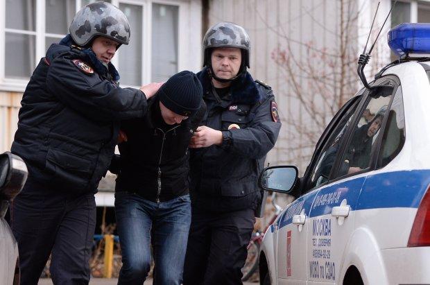 Беспомощный экипаж самолета нарвался на русского туриста: покурил, подрался, рассказал копам как дела
