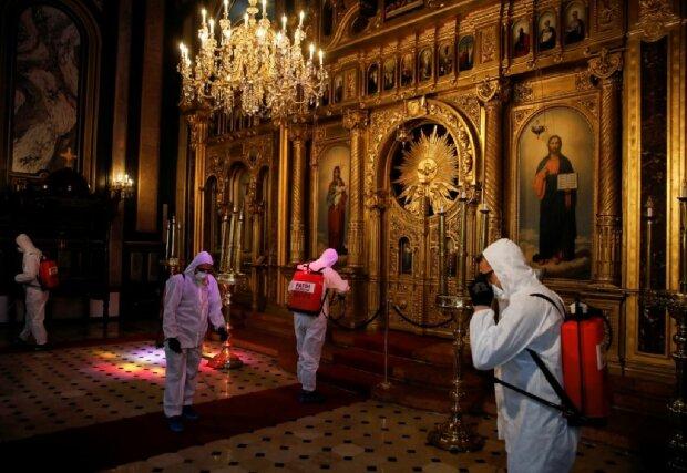 Карантин в церкви, фото: vlasneinfo