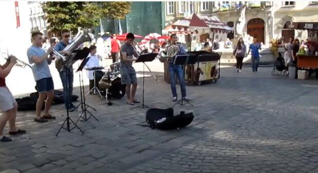 Львов, площадь Рынок, скриншот