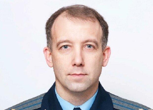 Уволенный за рейдерство зампрокурора Сумской области А. Рубан пытается восстановиться в должности и подбирает себе выгодного судью