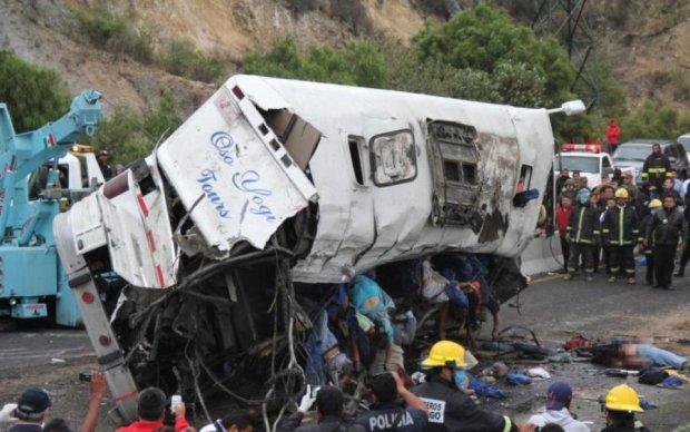 Виття сирен і крики про допомогу: в кривавій ДТП загинули 13 осіб