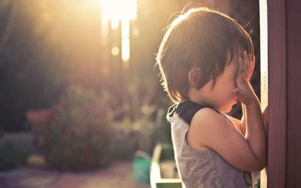 дитина страждає від рідкісного захворювання