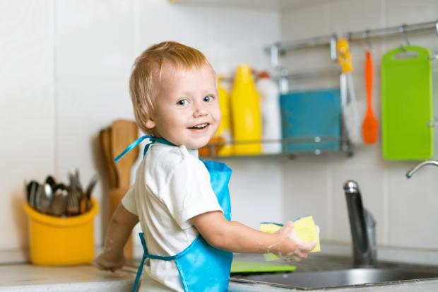 Доктор Комаровский рассказал, как приучить детей к самостоятельности: это не жестокость