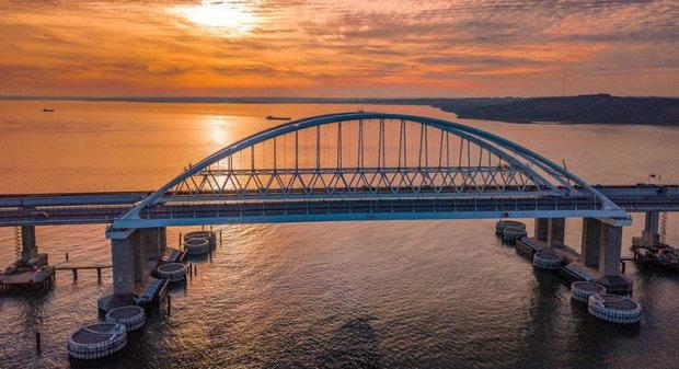 Крымский мост готов обрушиться в любой момент: блогер показала самое страшное