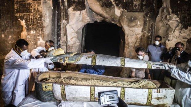 Десятки мумий и артефакты: в Египте археологи обнаружили древнюю гробницу