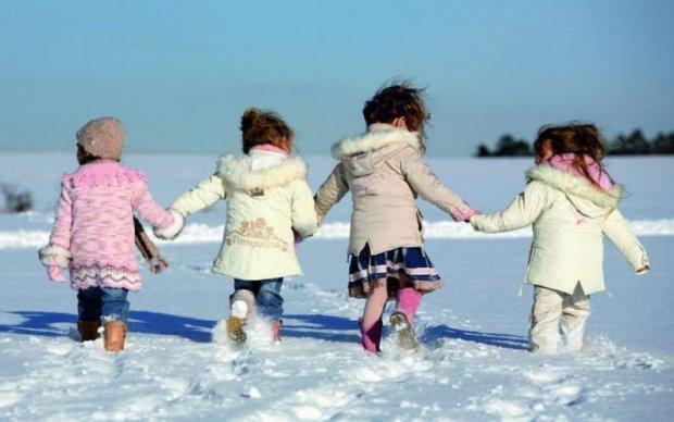 Російські чиновники викрали у матері сімох дітей